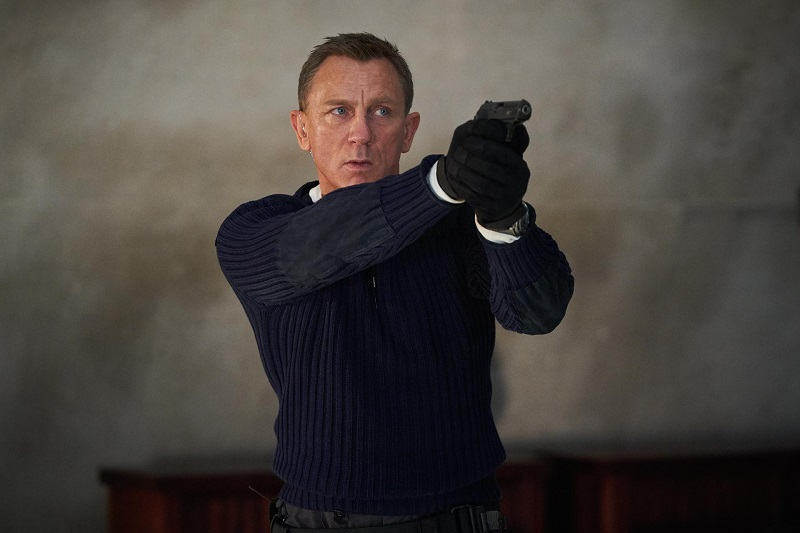 James Bond (Daniel Craig).